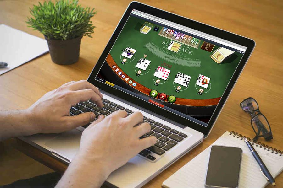 ブラックジャックをオンラインカジノで楽しむ